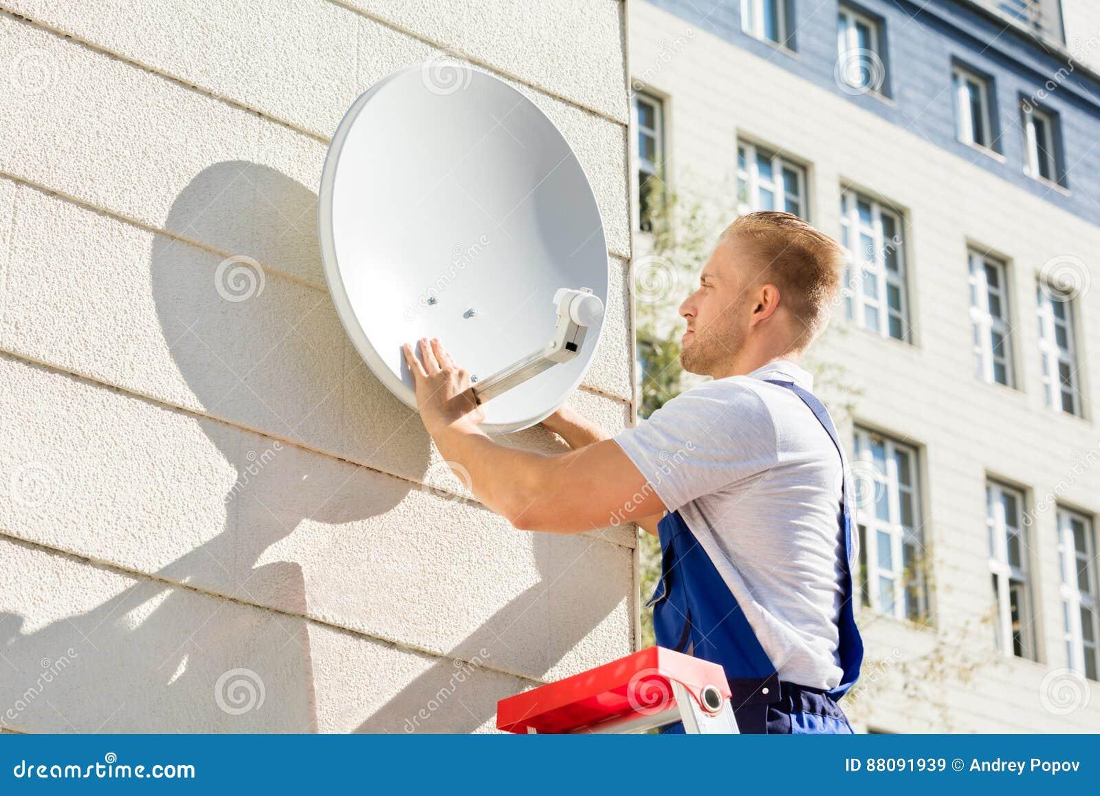 Maträtt för passande tv för man satellit-