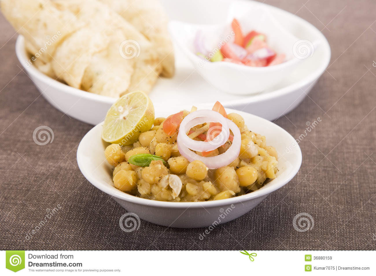 Download Matra Chaat Con Aloo Kulcha Immagine Stock - Immagine di zenzero, ceci: 36880159