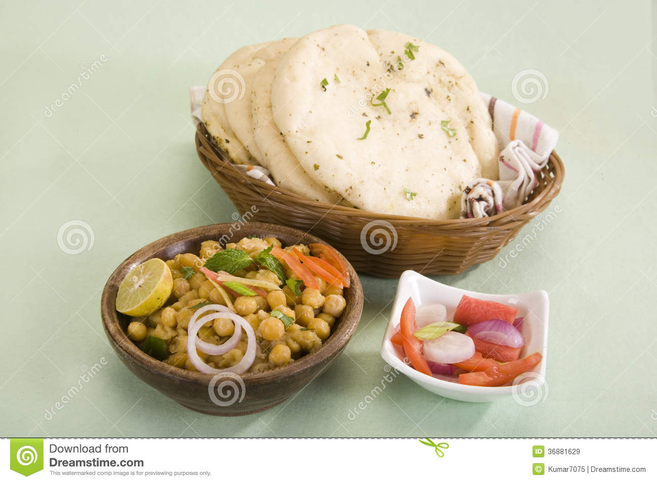 Download Matra Chaat con Kulcha immagine stock. Immagine di spezia - 36881629