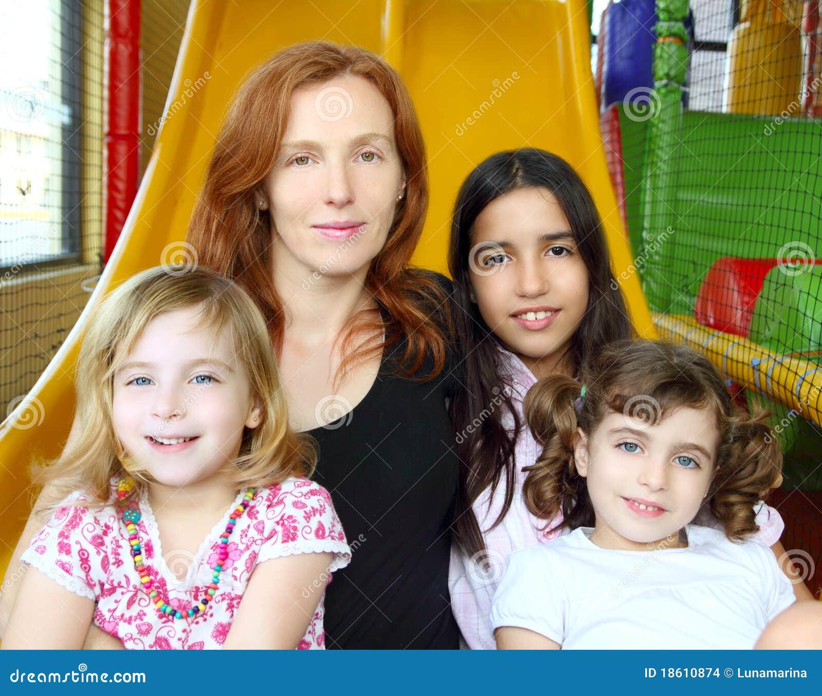 Matriz e filhas misturadas étnicas da família