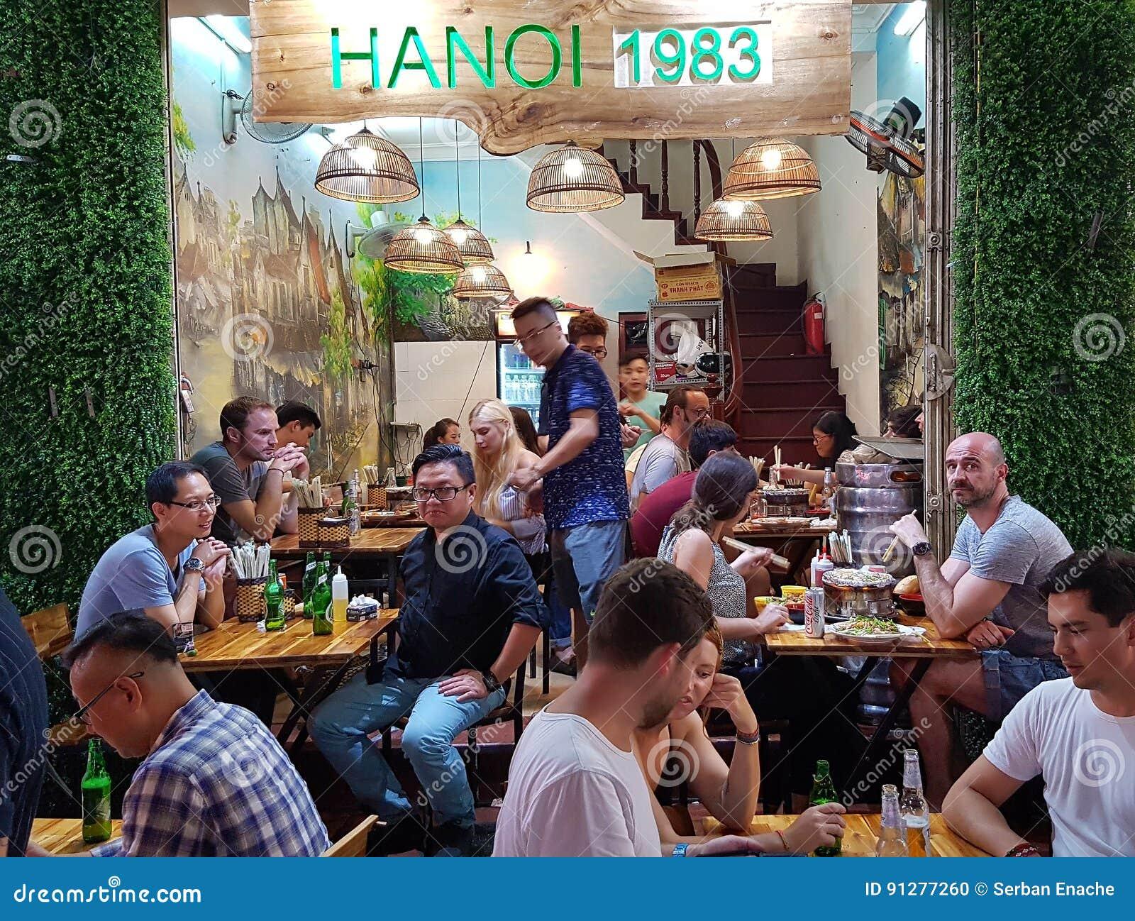 Matställear på Bia Hoi Restaurant, Hanoi, Vietnam