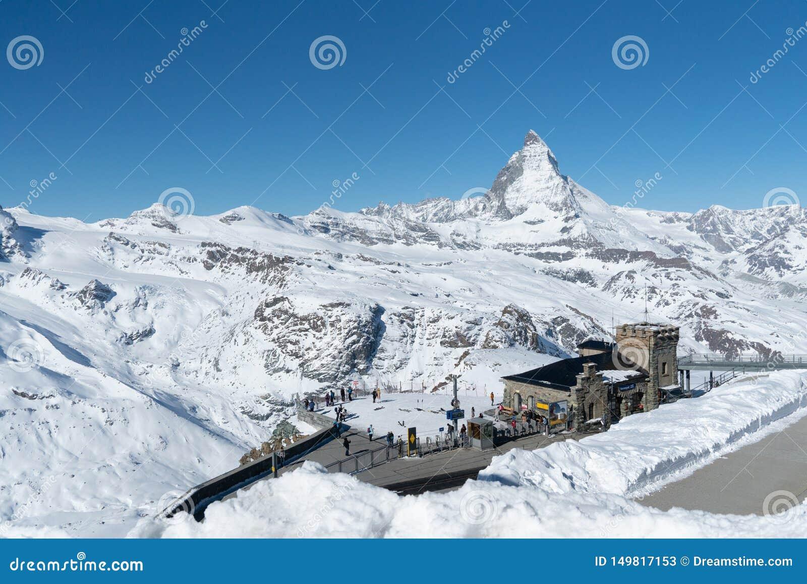 Matterhorn το χειμώνα στο σταθμό τρένου Gornegrat