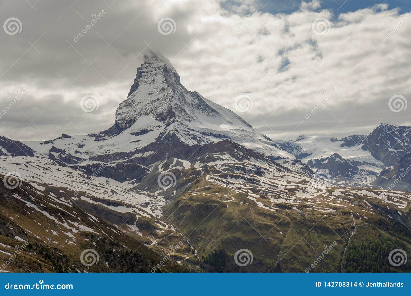 Matterhorn szczyt w Alps,
