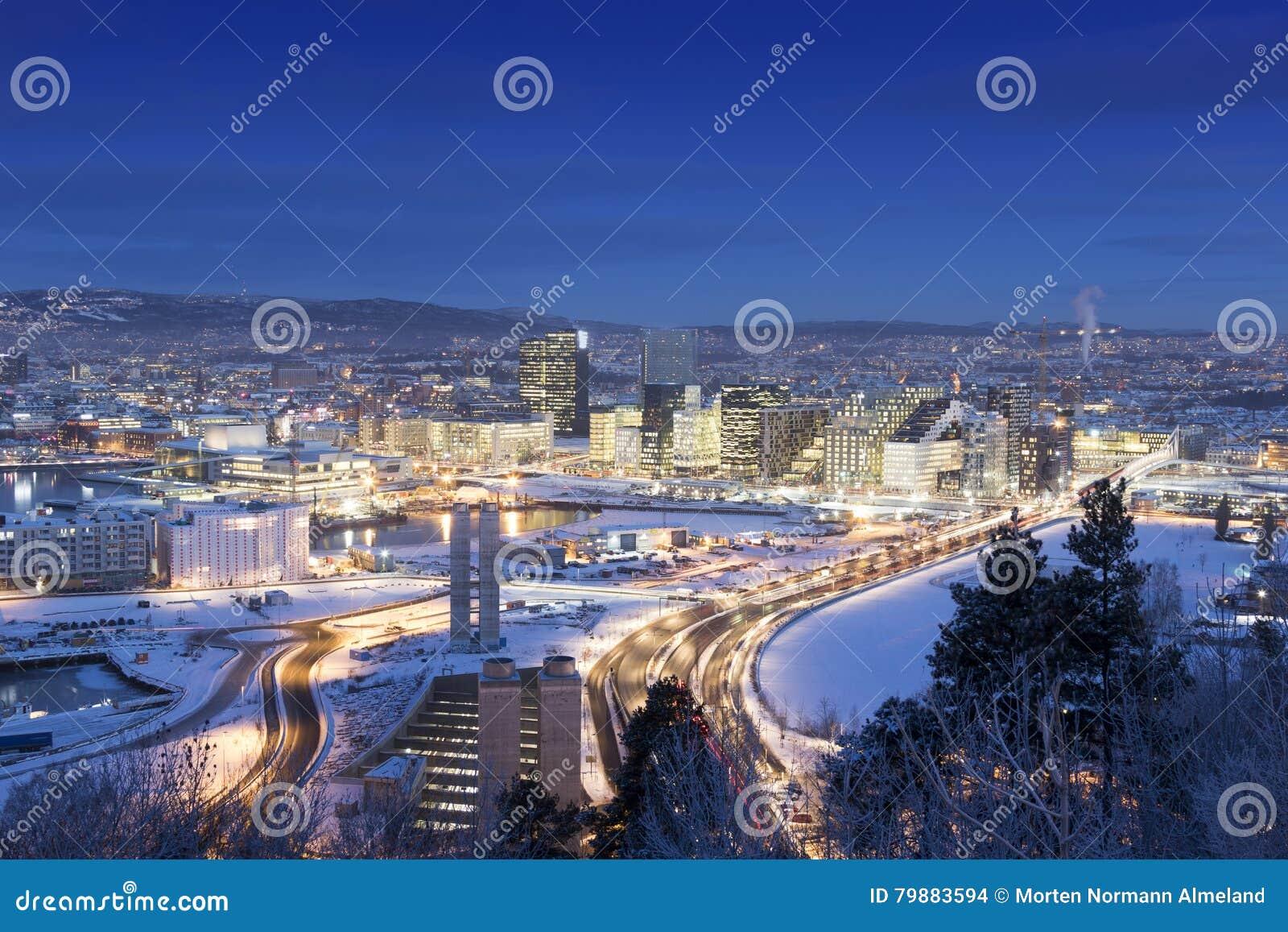 Foto Di Natale Neve Inverno 94.Mattina Di Inverno Dell Orizzonte Di Oslo Immagine Stock Editoriale