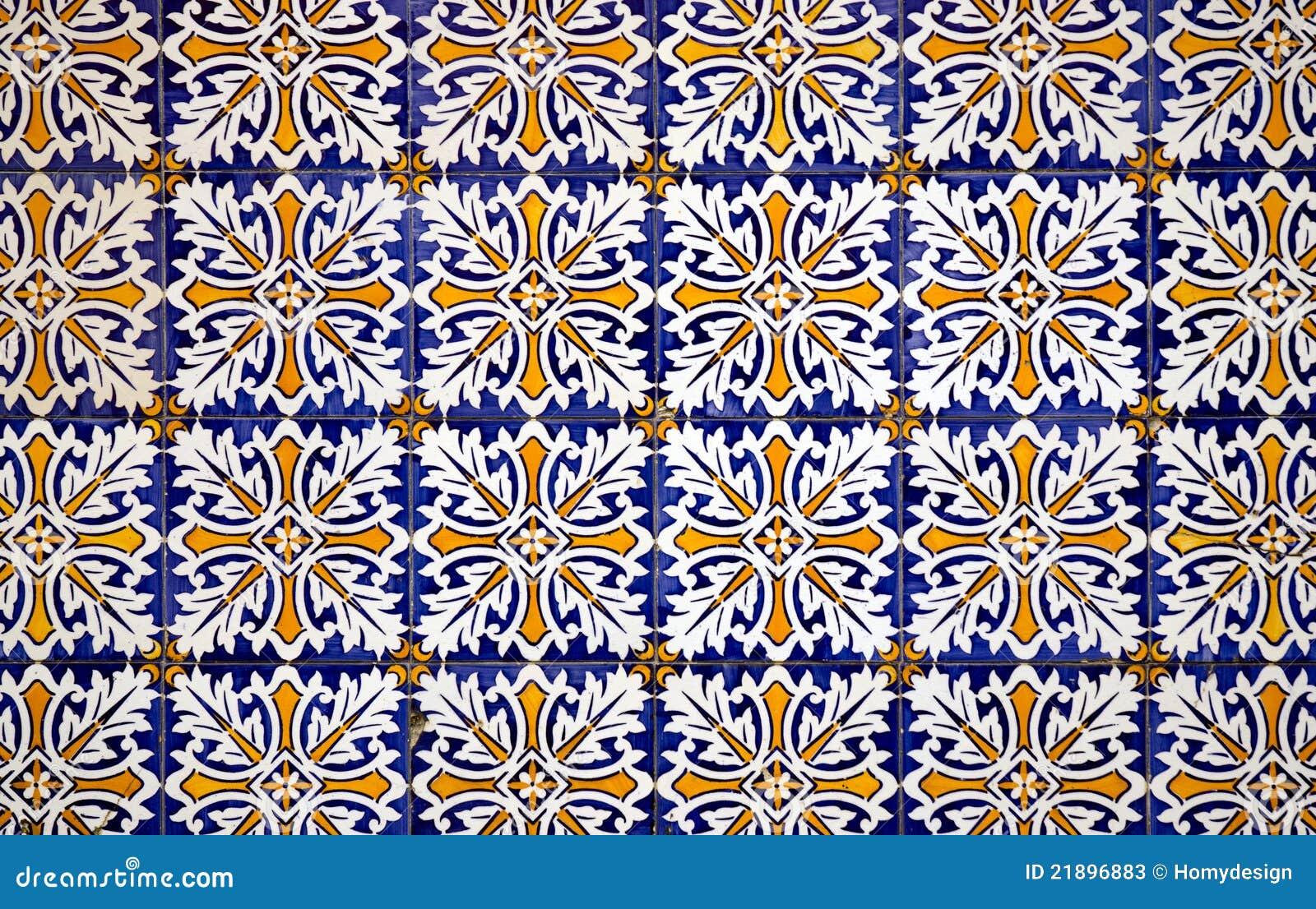 Mattonelle di ceramica di stile spagnolo dell 39 annata for Camino esterno in stile spagnolo