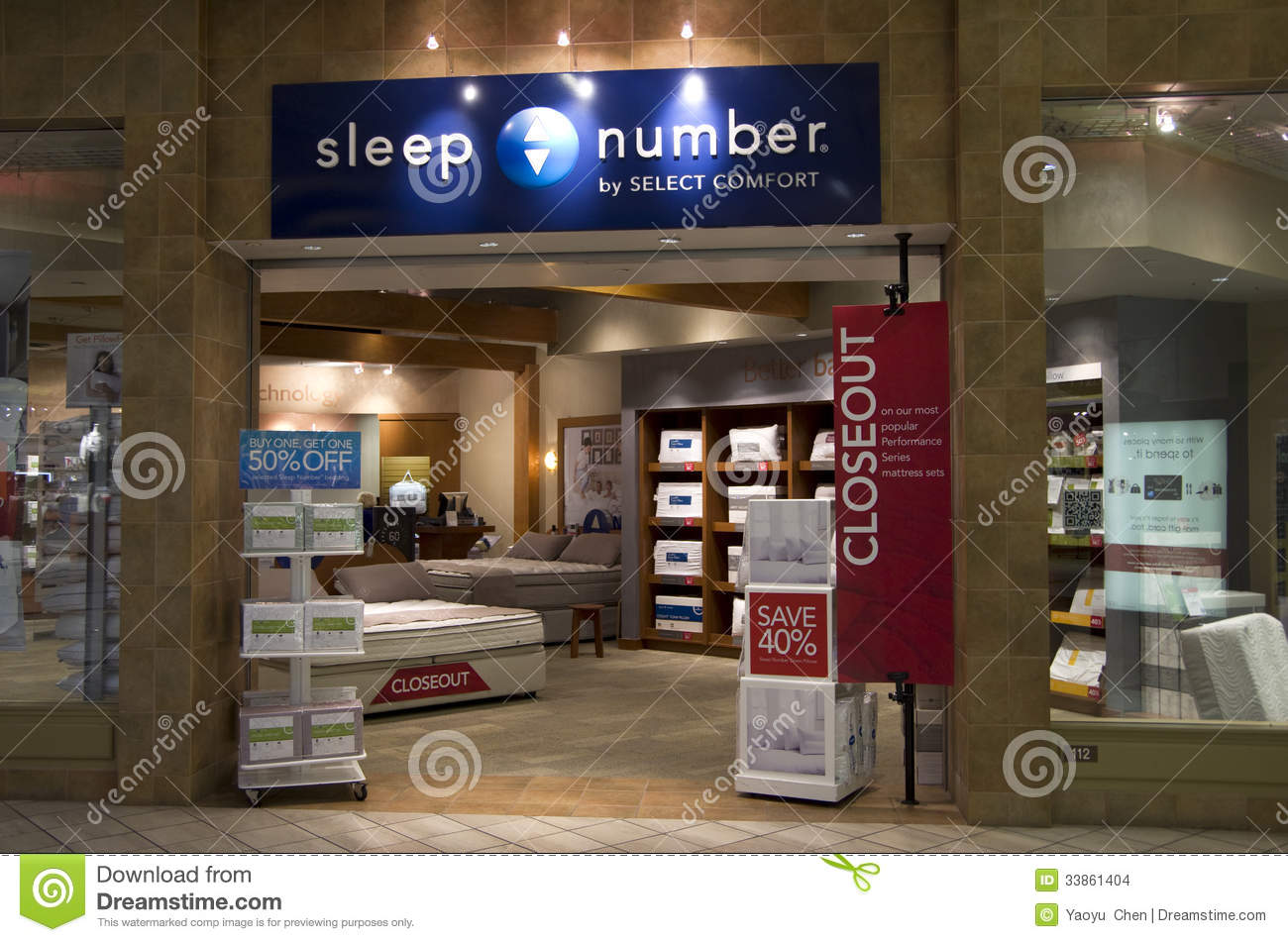Mattress Bed Store Editorial Stock Image - Image: 33861404