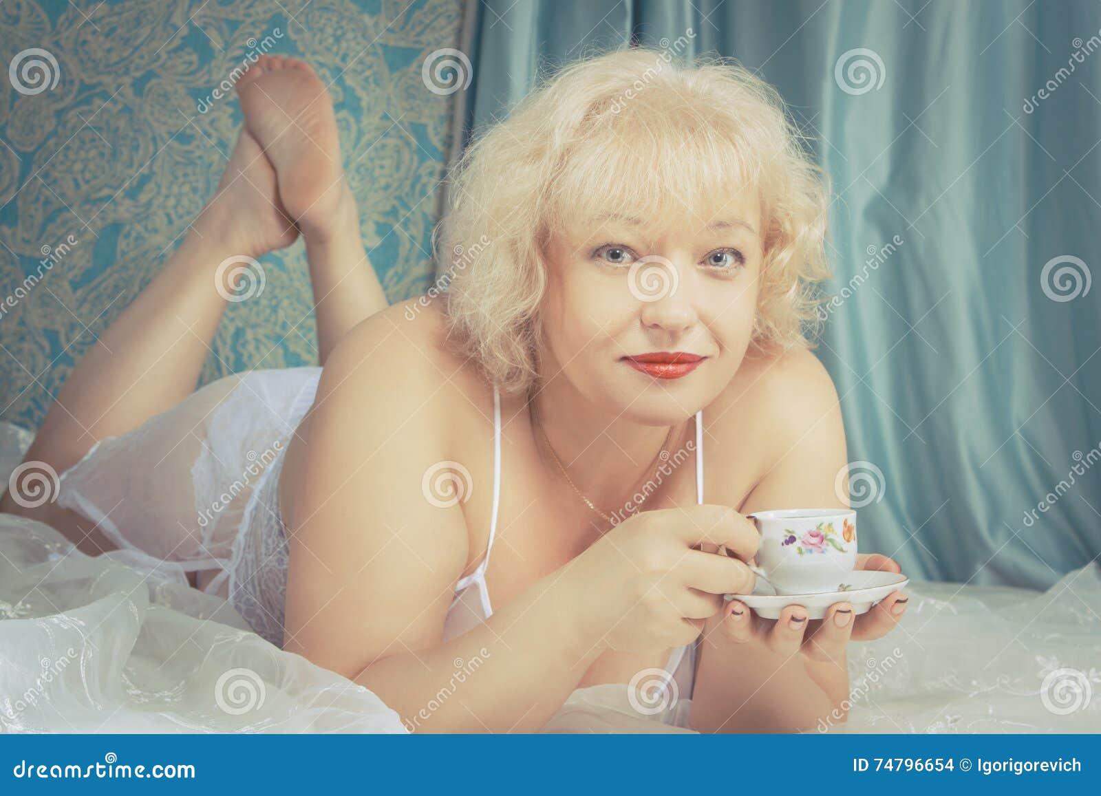 Seductive mature lady