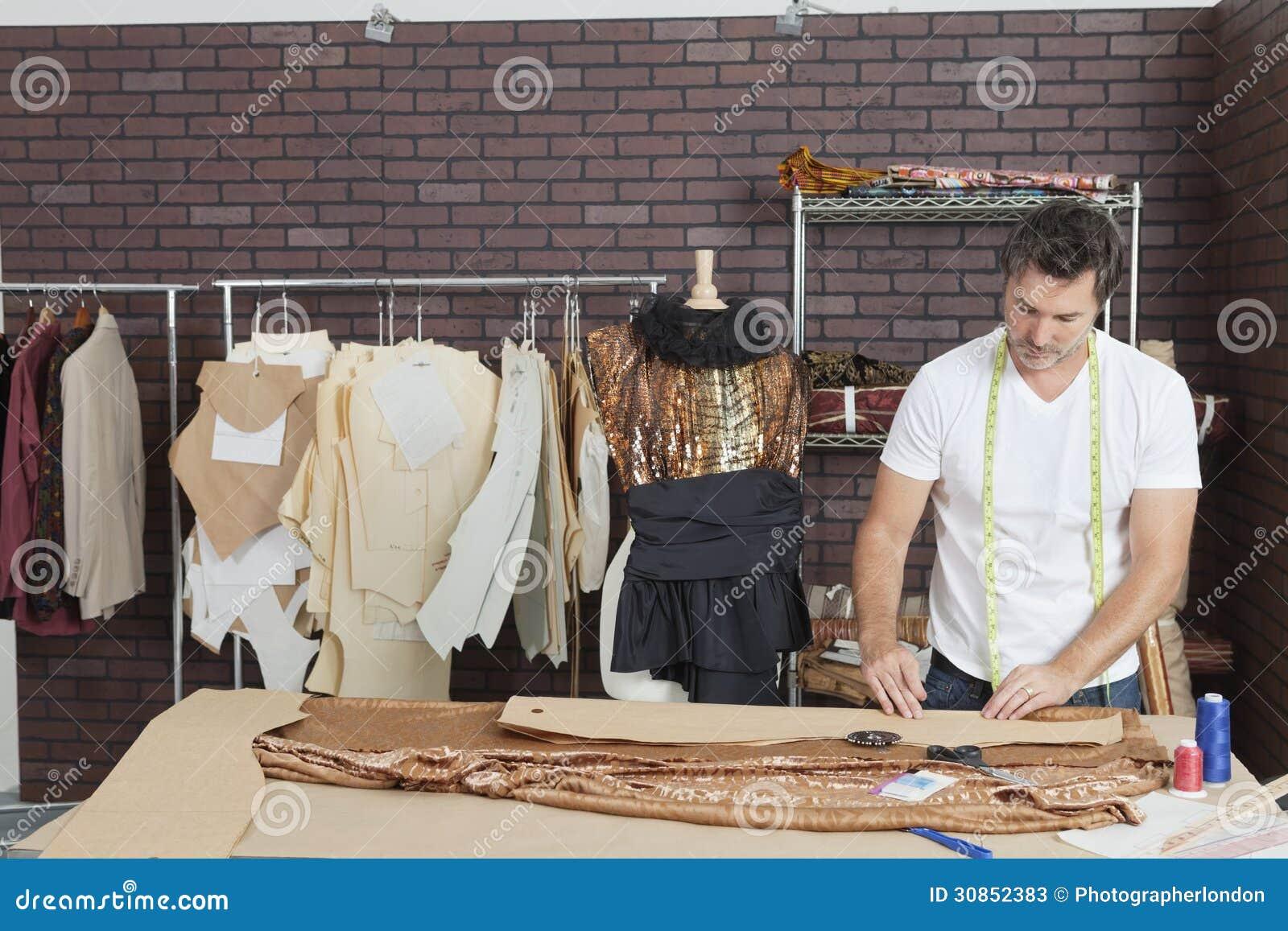 Online clothing design studio