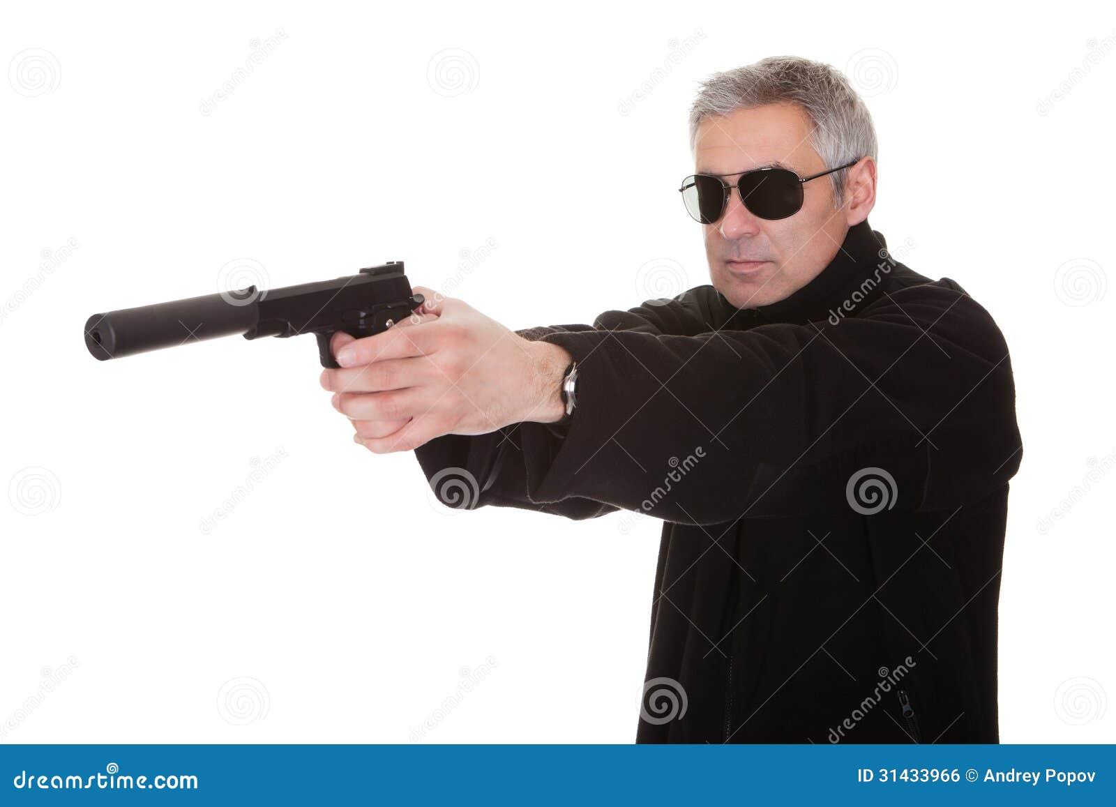Смотреть порно приставил пистолет к голове 4