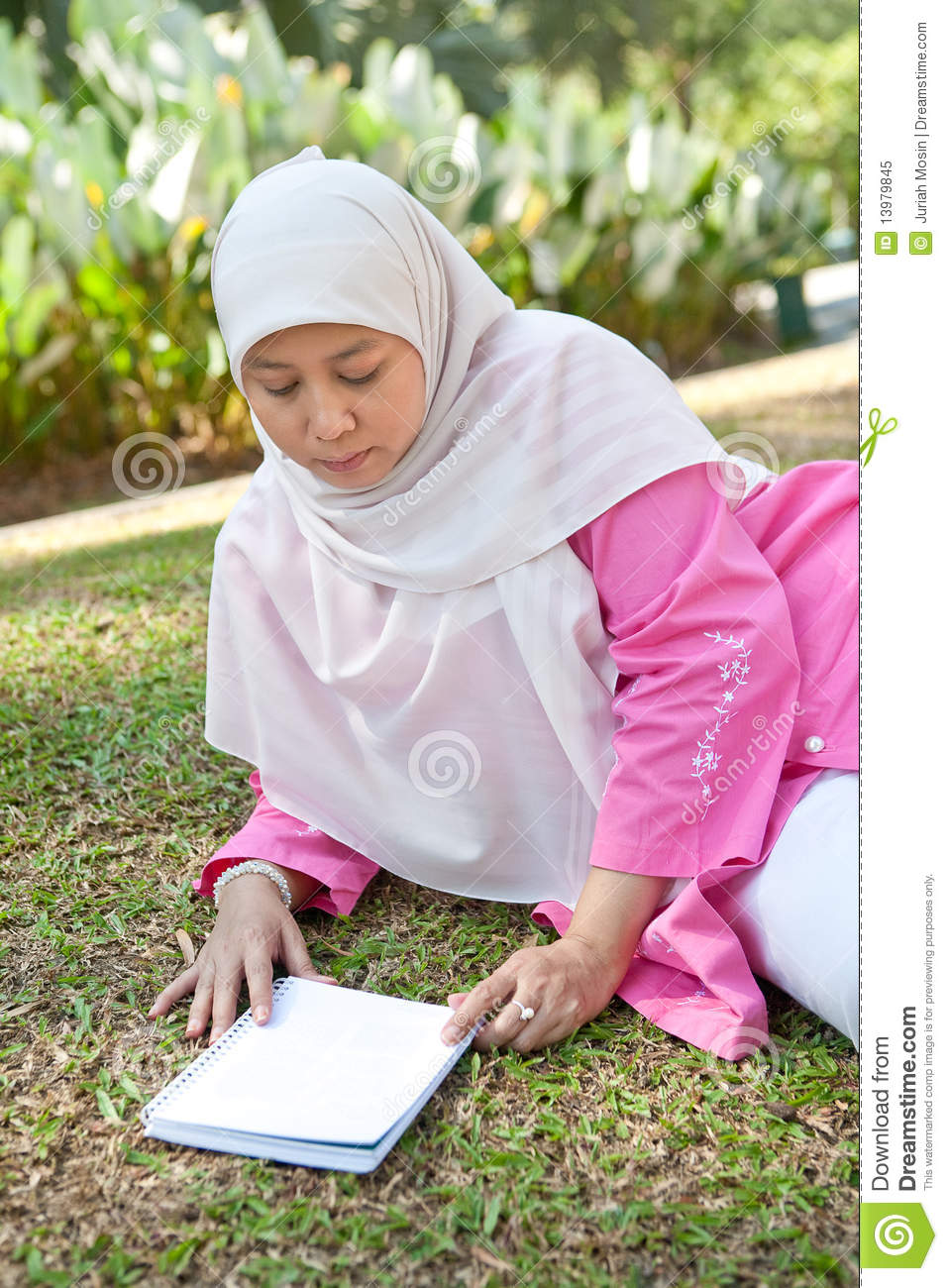 garden muslim single women Muslim women are one of the most talked-about groups in the world yet most of muslim women i know are very different from the stereotypes.