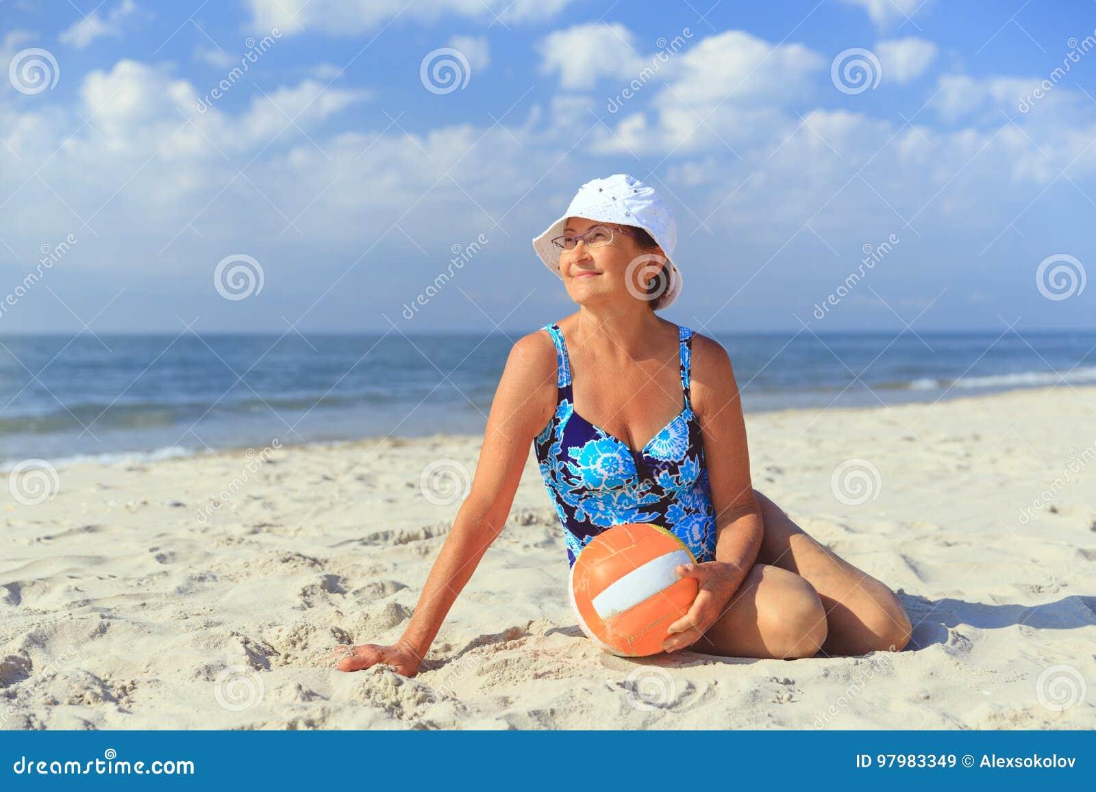 mature beach pics