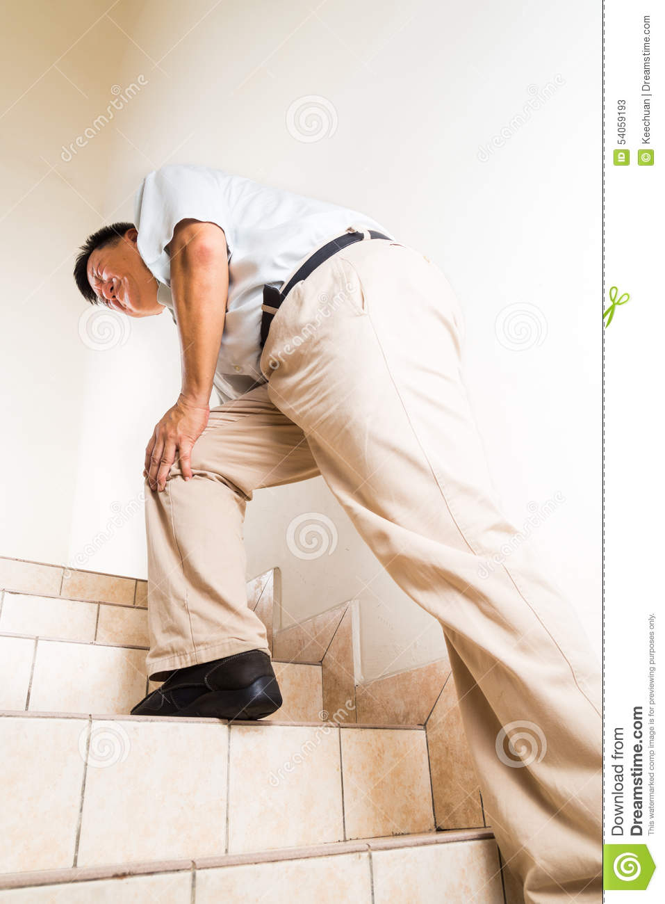 Matured Man Suffering Acute Knee Joint Pain Climbing Stairs Stock Image -  Image of ache, glue: 54059193