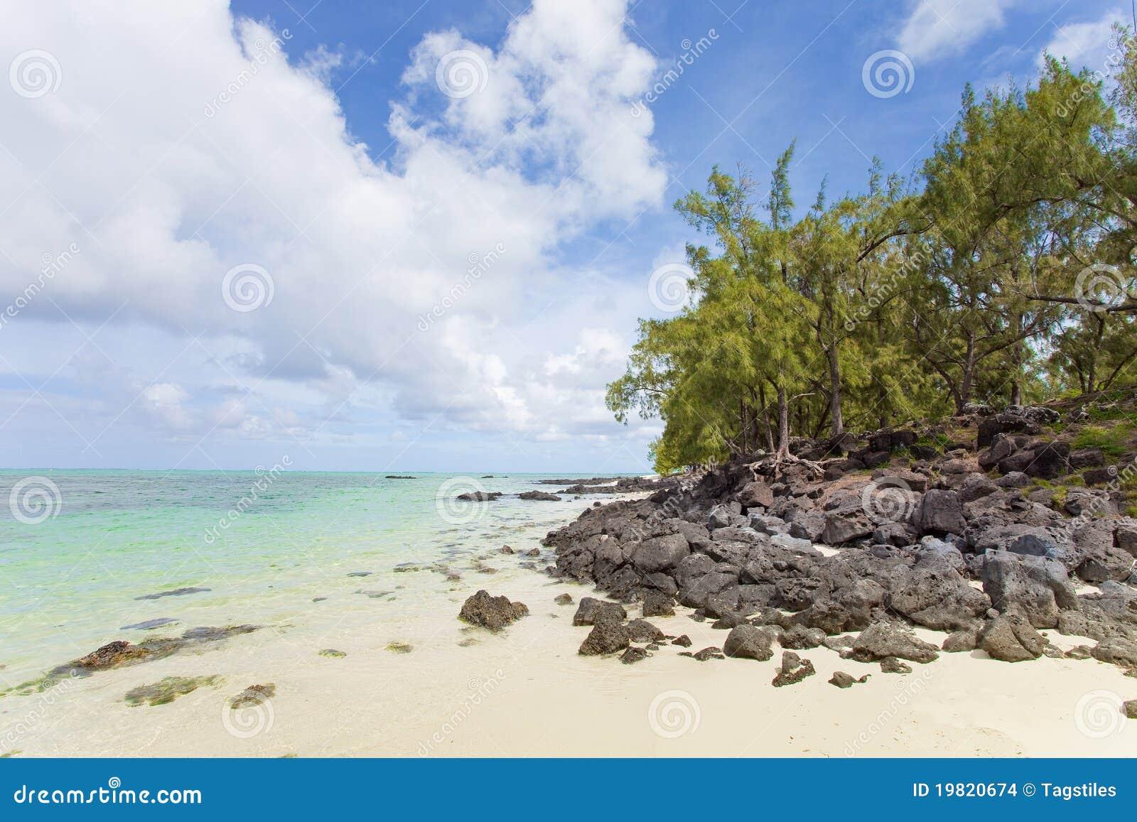 Download Mauritius stockfoto. Bild von strand, paradisaical, wolken - 19820674