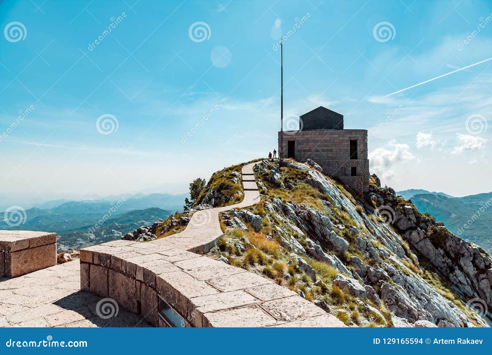 Mausoleo sulla cima della montagna in Lovcen, Montenegro