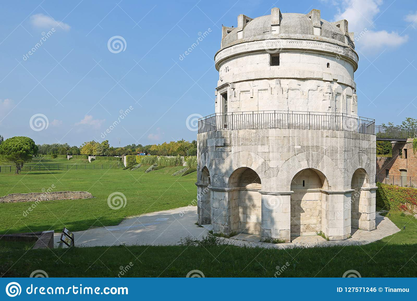 Mausoleum av Theoderic i Ravenna, Italien