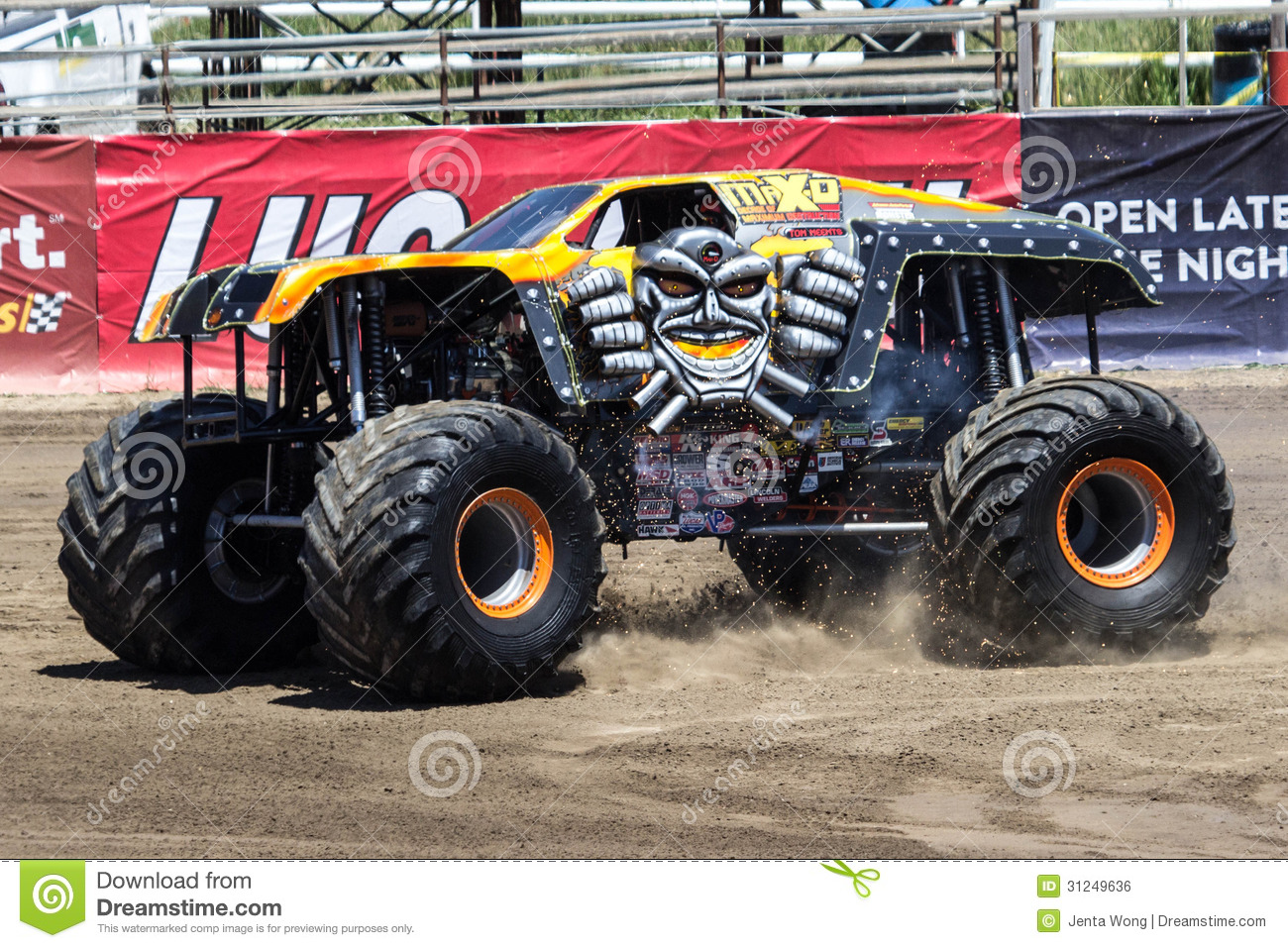 Max-D Monster Truck Editorial Photo - Image: 31249636