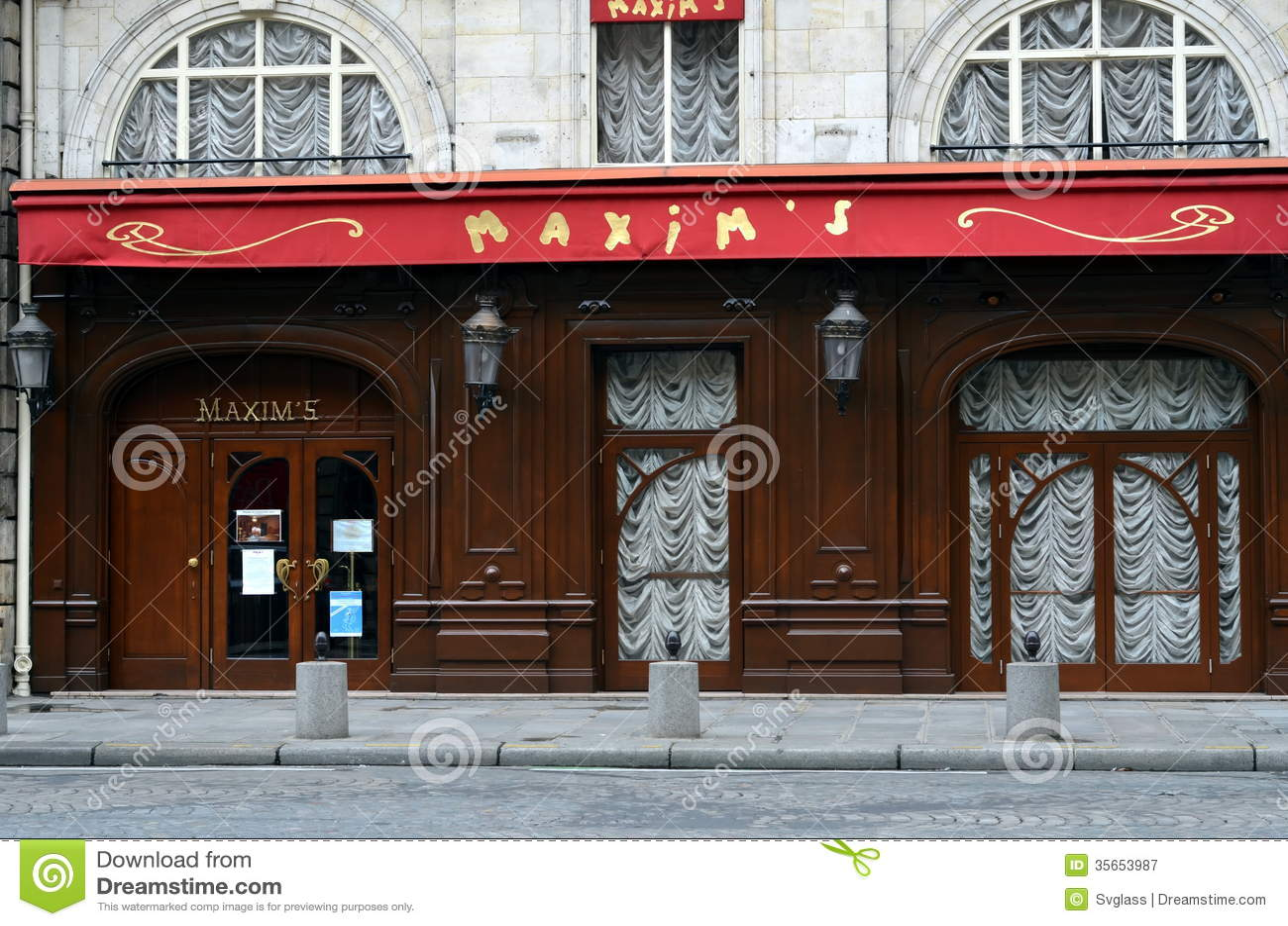 Famous Steak Restaurant In Paris