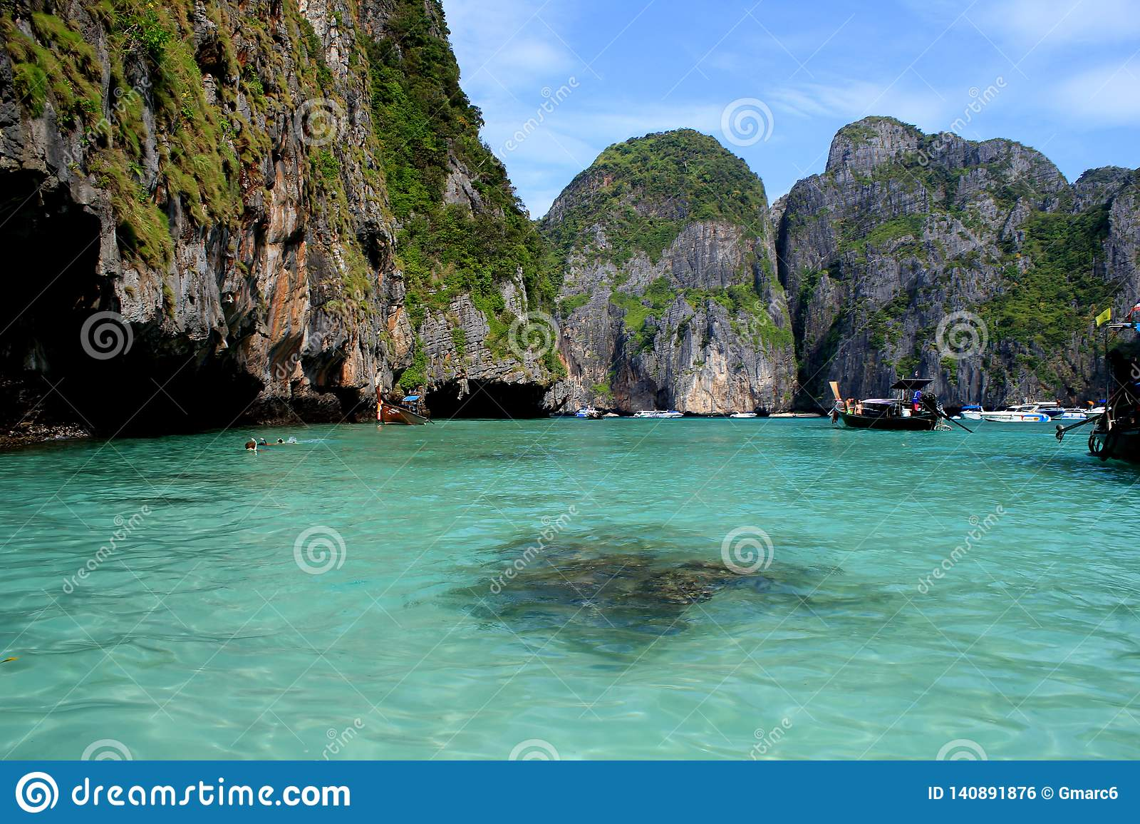 Maya Bay est la plage de paradis la plus belle en Thaïlande