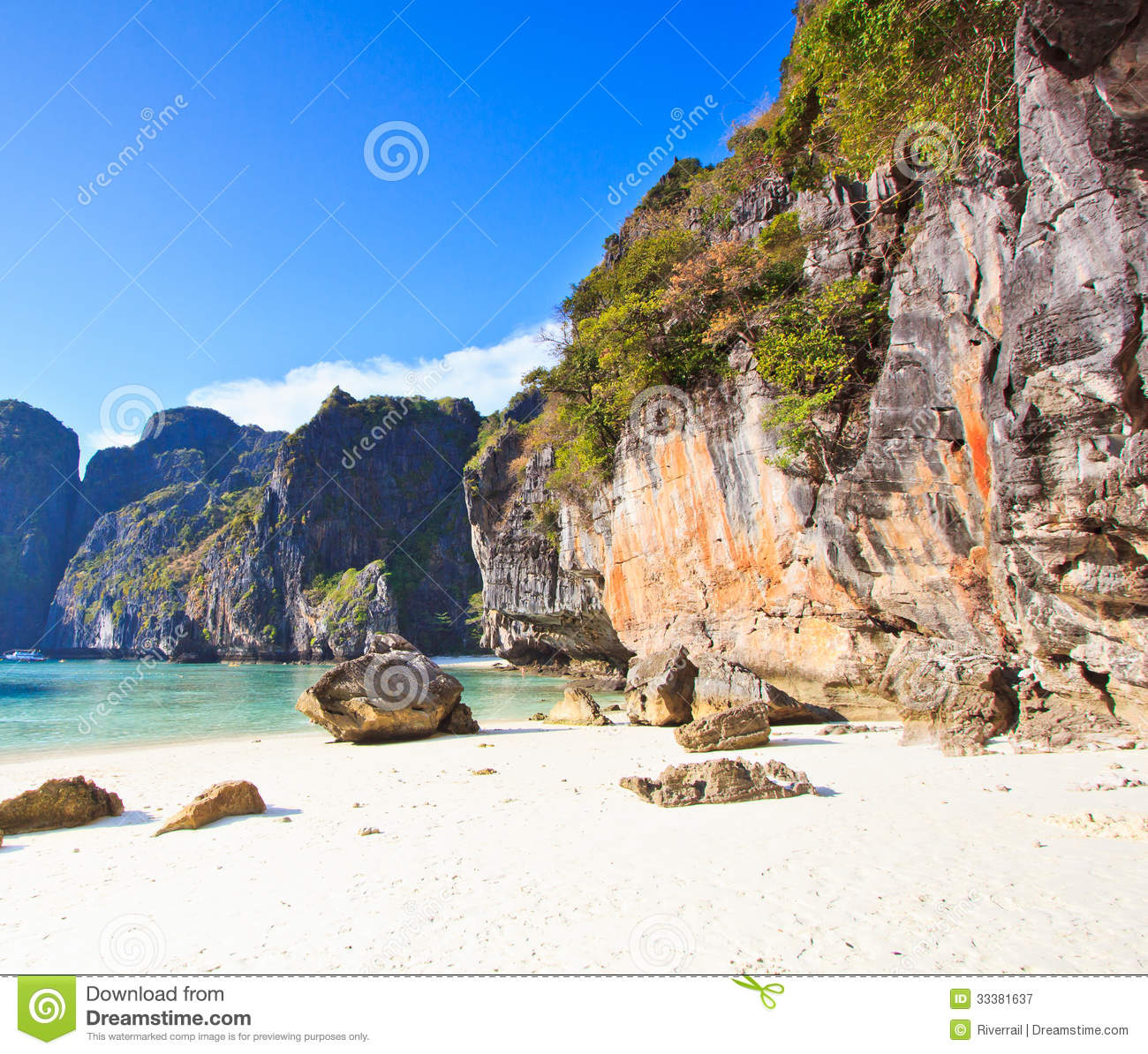 Phi Phi Beach: Maya Bay Of Phi Phi Island In Thailand Royalty Free Stock