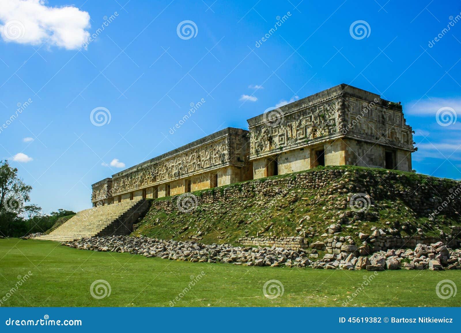 mayan architecture stock photo - image: 45619382