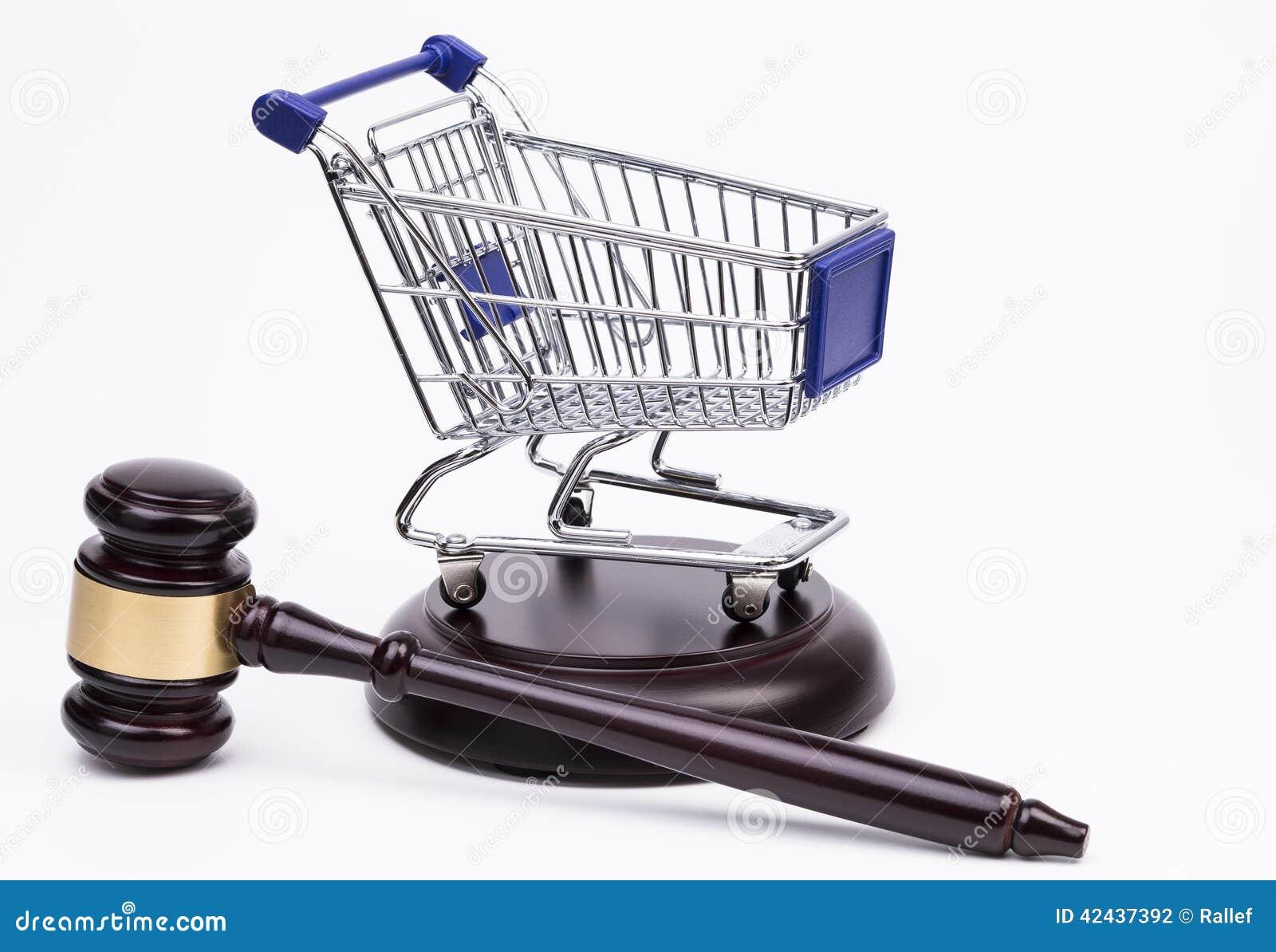 Mazo de la justicia con el carro de compras