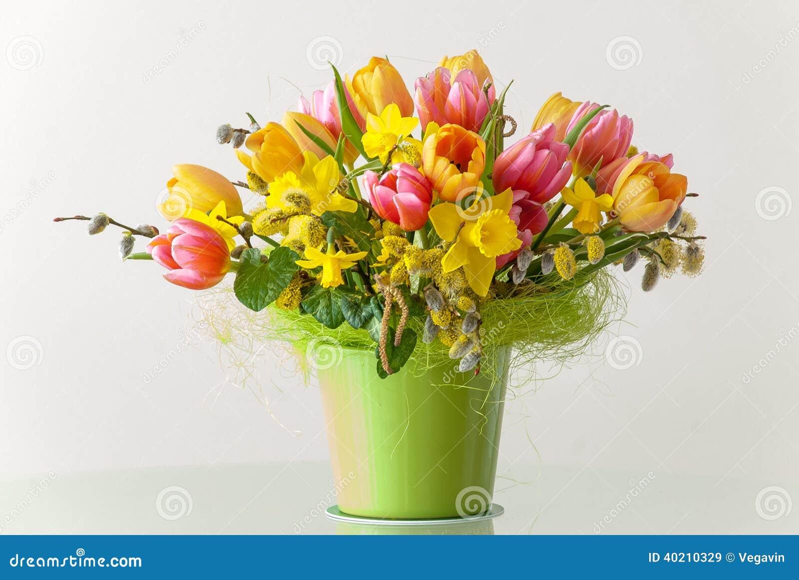 Mazzo Di Fiori Di Primavera.Mazzo Dei Fiori Della Primavera Immagine Stock Immagine Di