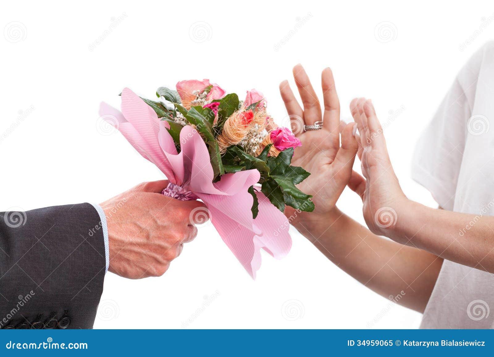 Mazzo di fiori rifiutato immagine stock immagine di fiori for Offre des fleurs