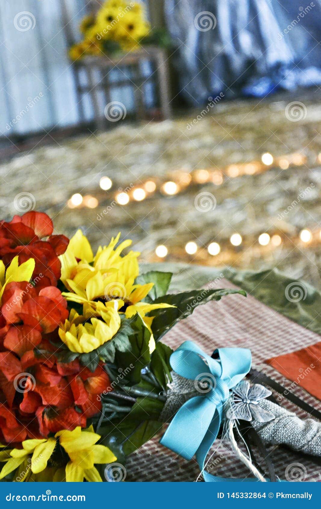 Mazzo di nozze alle nozze di tema rustiche