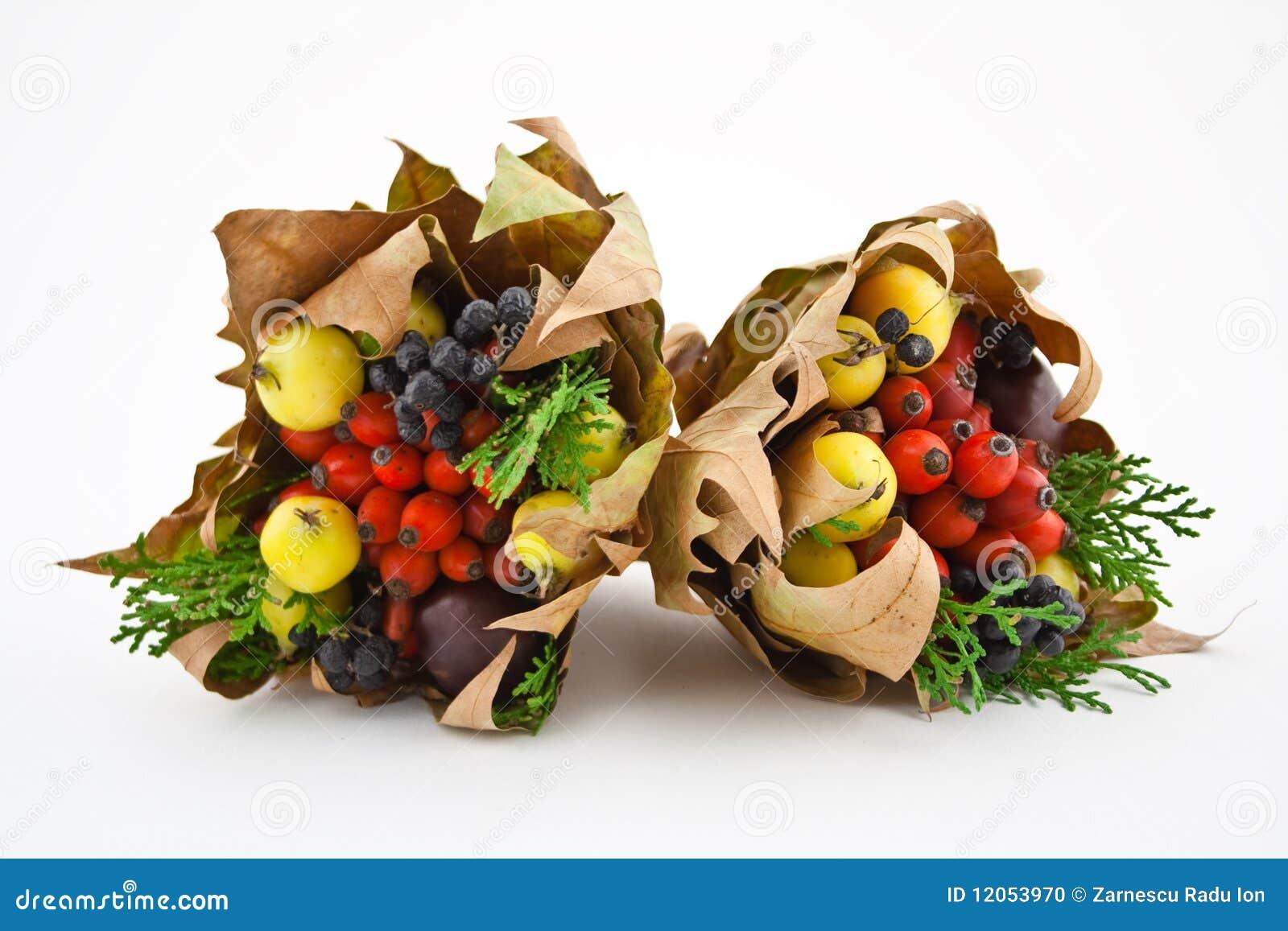 Mazzo selvaggio della frutta di autunno