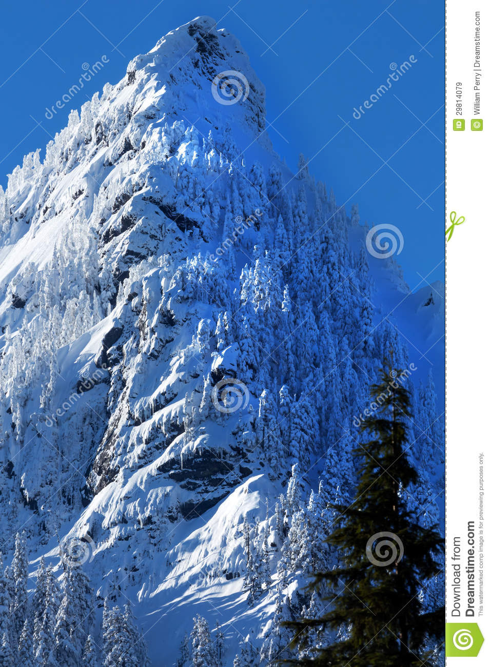 Mcclellan butte snow mountain cascade mountains snoqualme pass