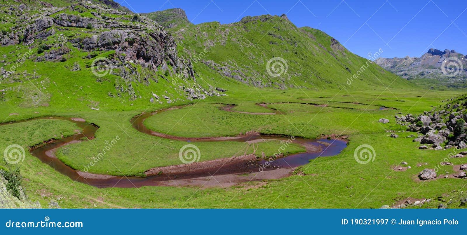 Meander In Aguastuertas Selva De Oza Huesca Pyrenees Stock Image Image Of Mountain Huesca 190321997