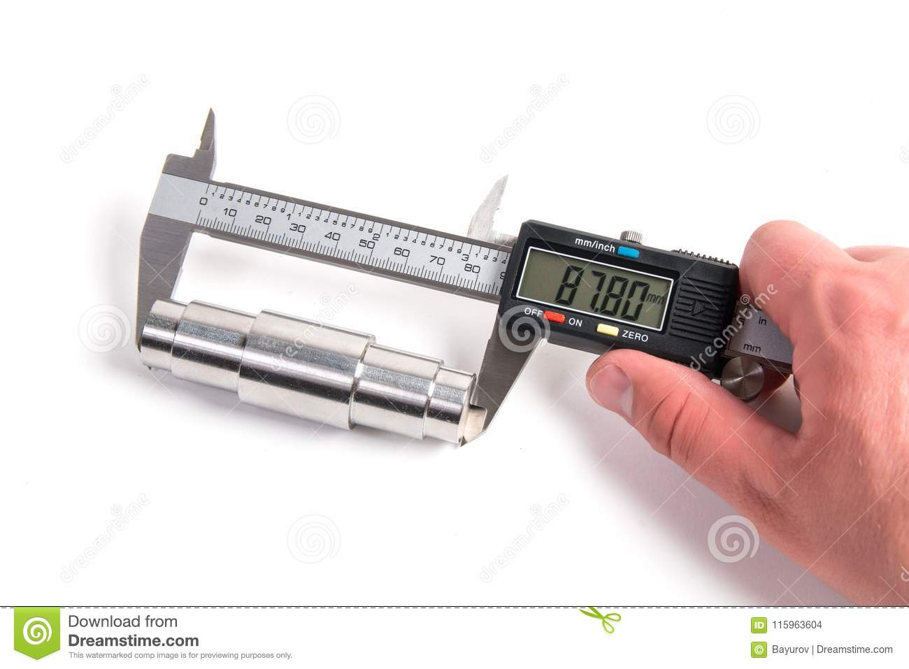 Measuring with electronic digital caliper