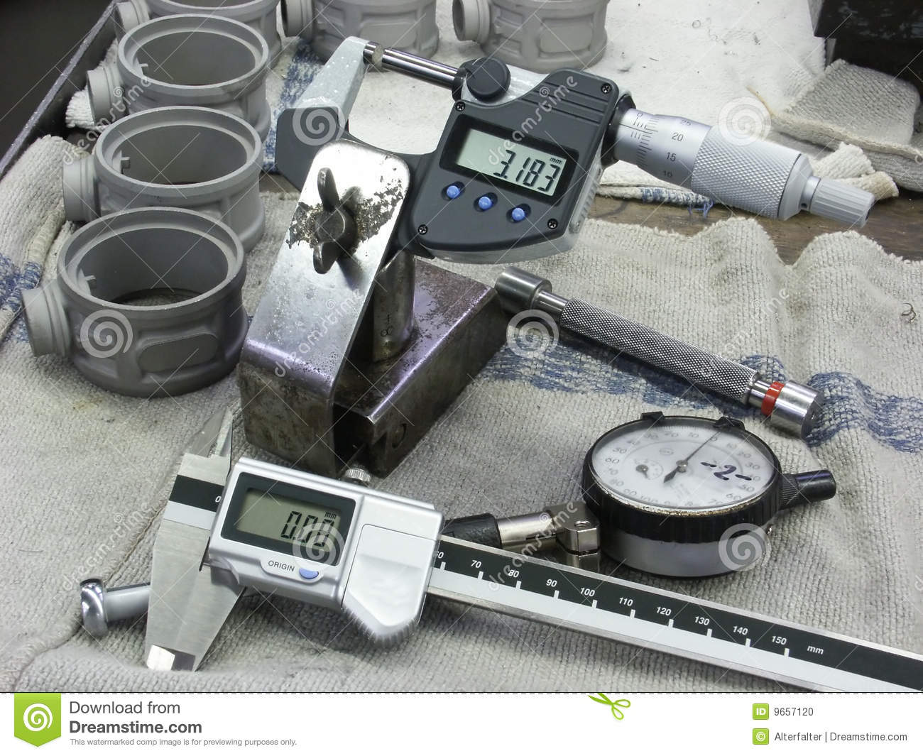 Time Measuring Instruments : Measuring instruments stock photo image