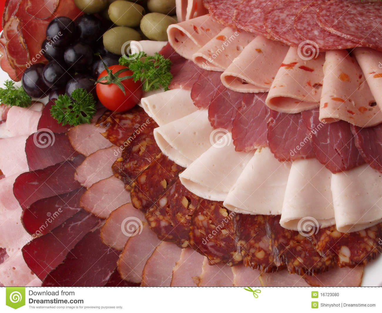 Spaghettios aspic garnished with vienna sausages together with Bologna further 10 Delicious Foods Everyone Loves That Could Cause Cancer And Their Alternatives additionally Sliced Baloney also Heap Sliced Chicken Breast Fillet Selective 390270037. on baloney lunch meat