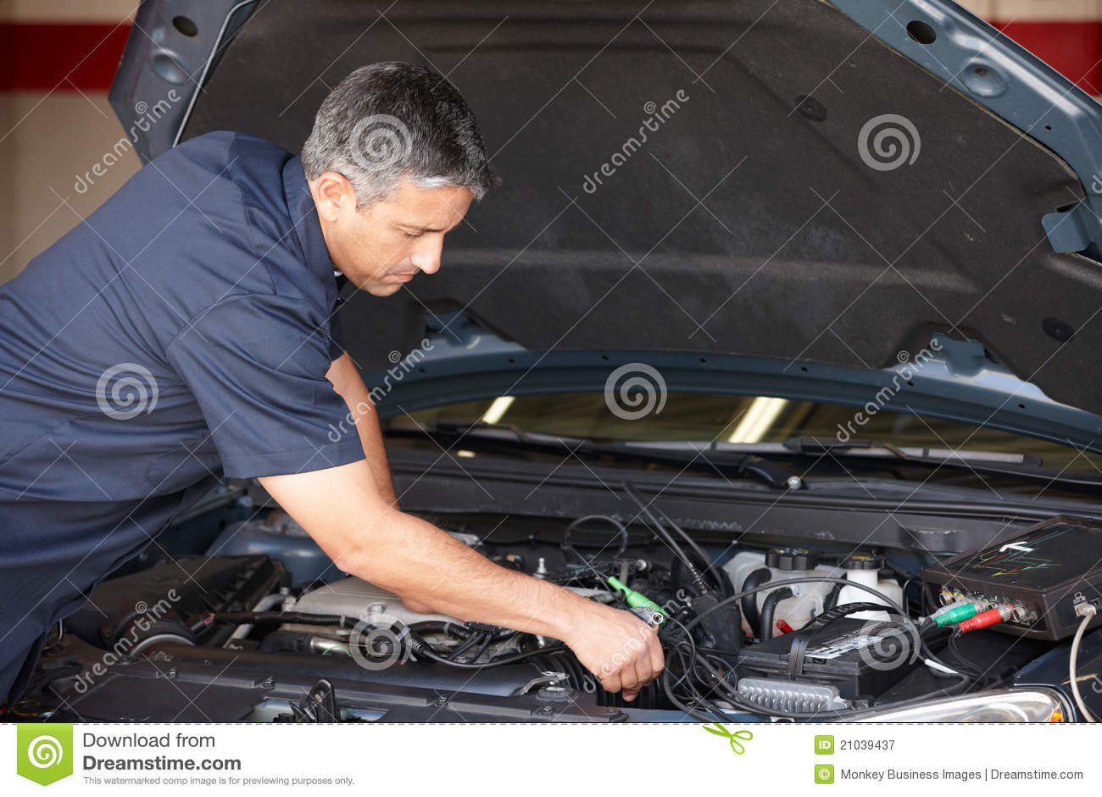 Mecánico en el trabajo