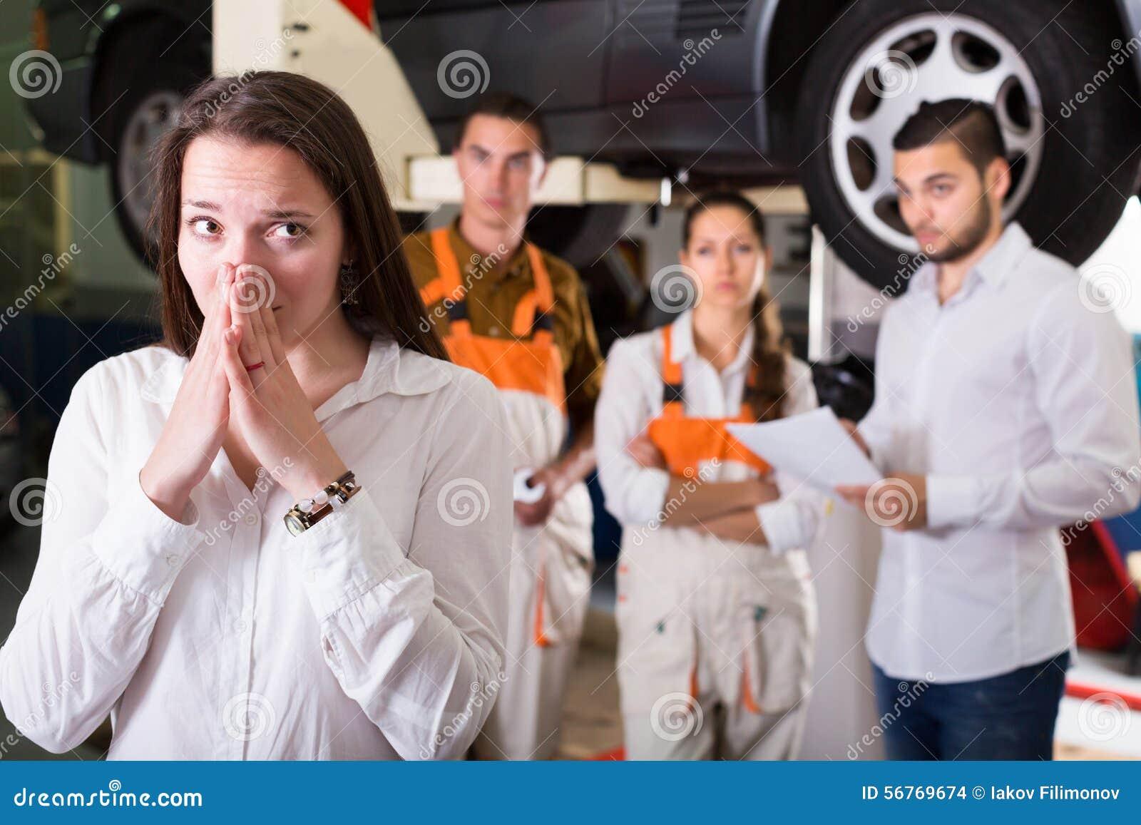 Mecánicos que intentan engañar al cliente