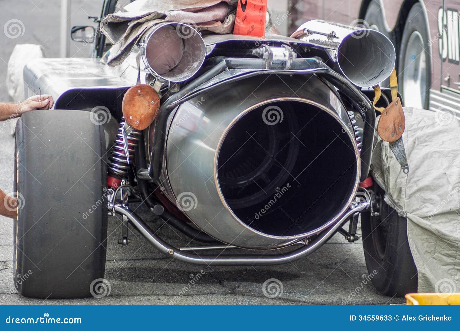 mechanica working on a jet engine