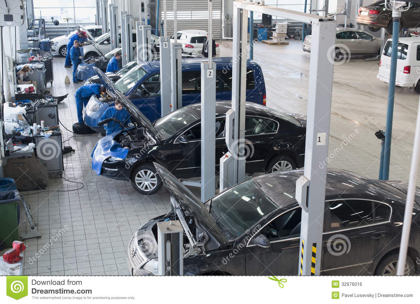 Design car repair workshop - Car Mechanical Varshavka Workshop Diagnostics Blue Safety Lift Mechanic