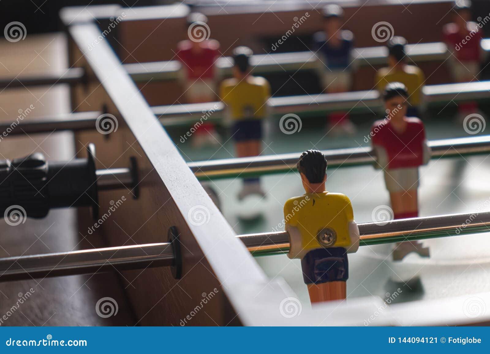 Mecz futbolowy isolate graczów stół dwa