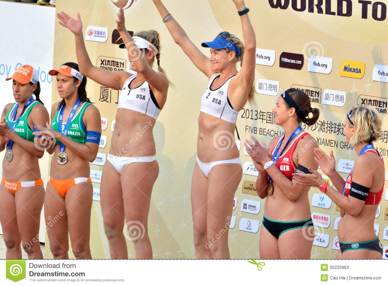 Medal Presentation In Womens Fivb World Tour Game -5900