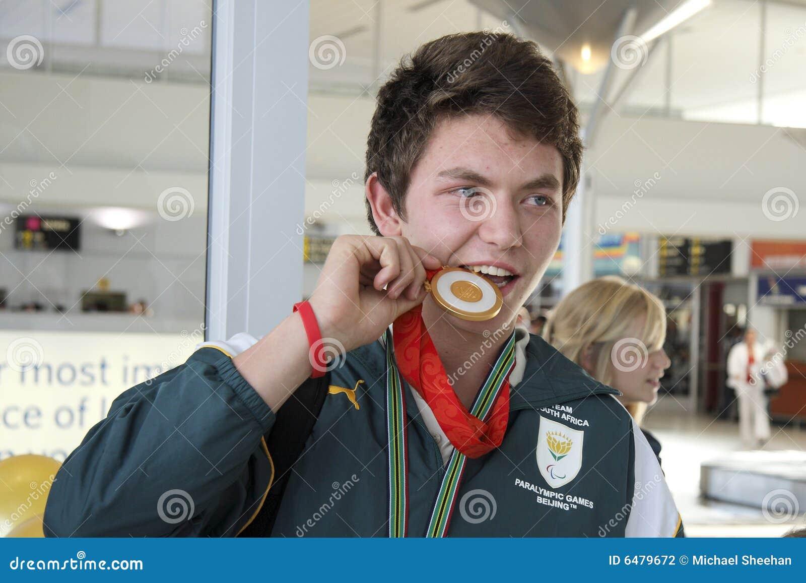Medallista de oro de la natación de Paralympic