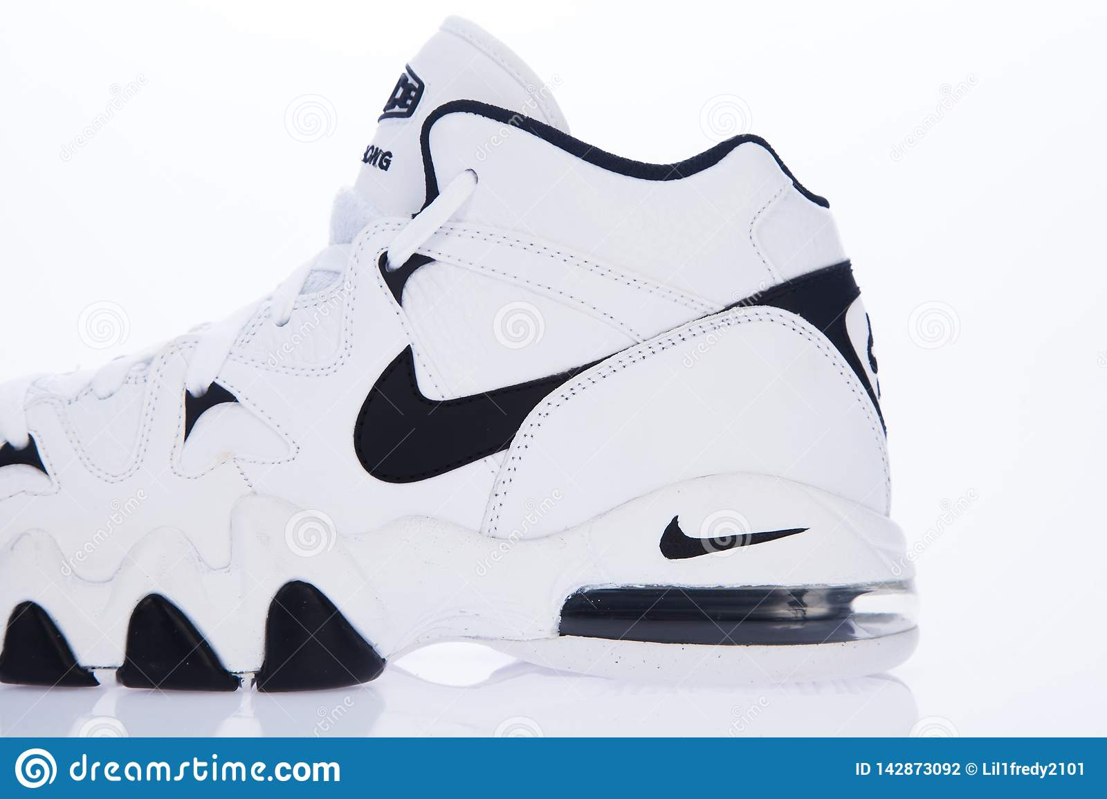 new style nike shoes Online shopping