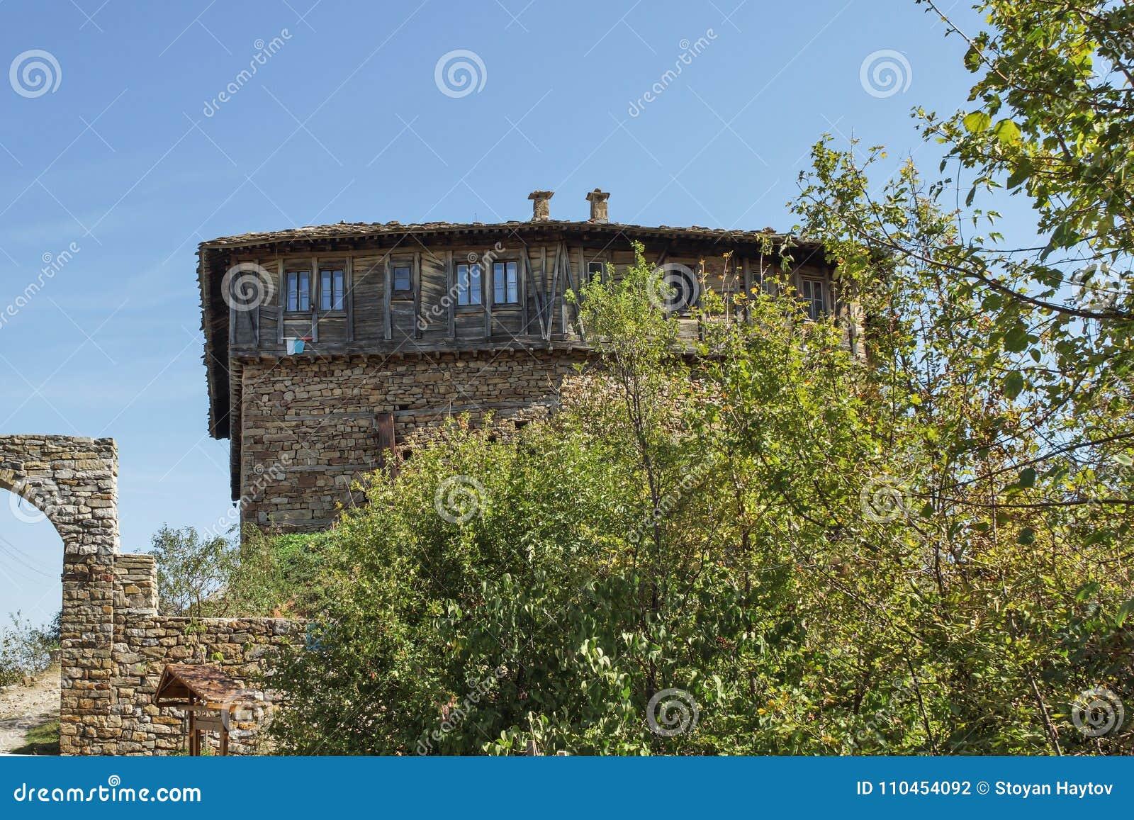 Medeltida Glozhene kloster av St George, Bulgarien