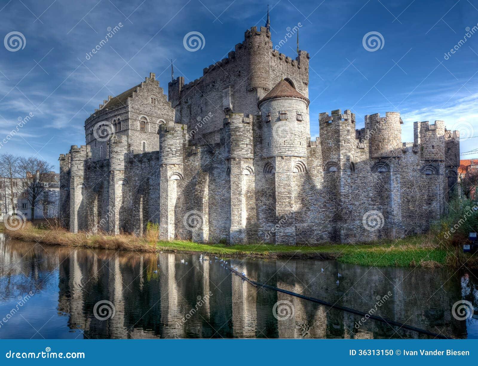 Medeltida Gravensteen slott i Ghent, Belgien