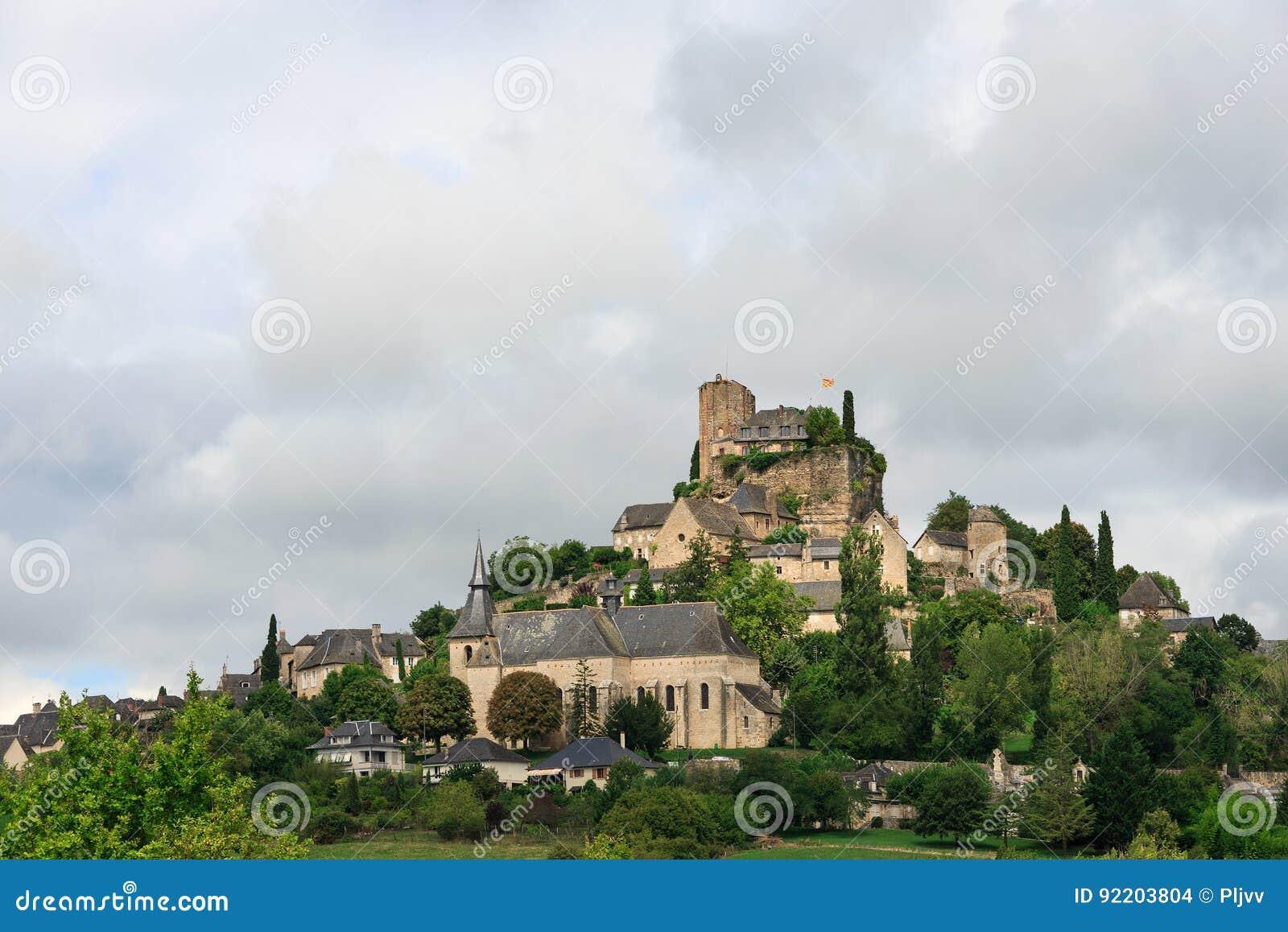 Medeltida slott och stad av Turenne, Frankrike