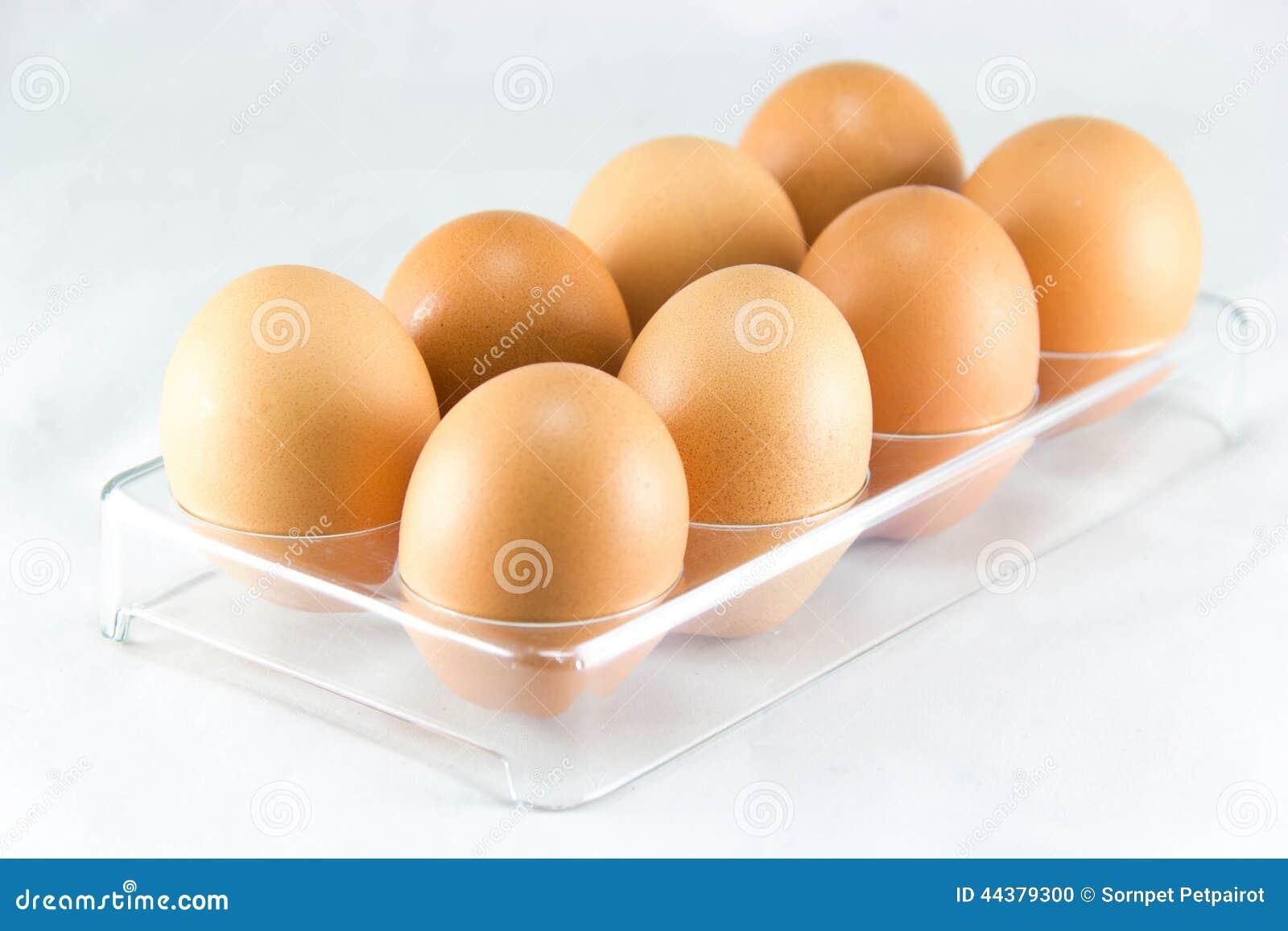 Medias docenas de huevos en la bandeja del huevo foto de for Bandejas para huevos