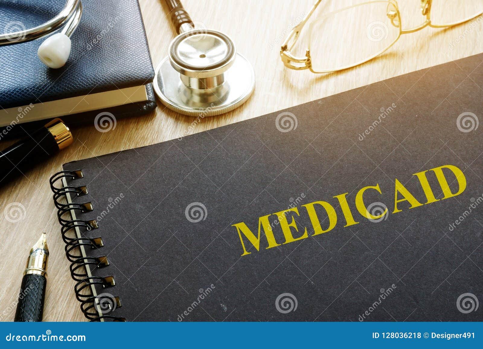 Medicaid Документы, ручка и стетоскоп