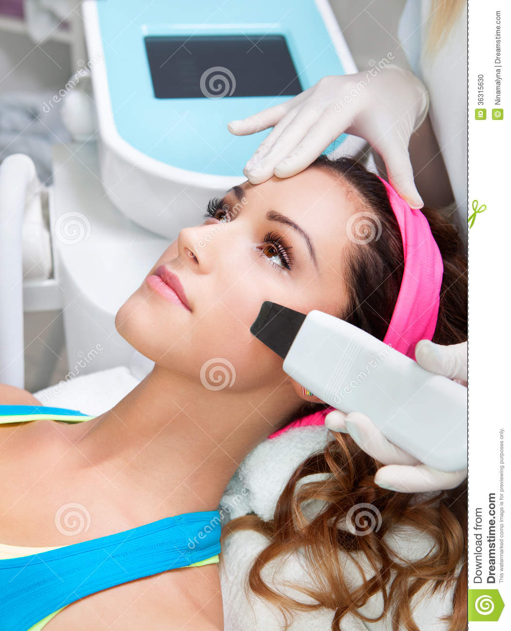 Medical info on facial laser treatment