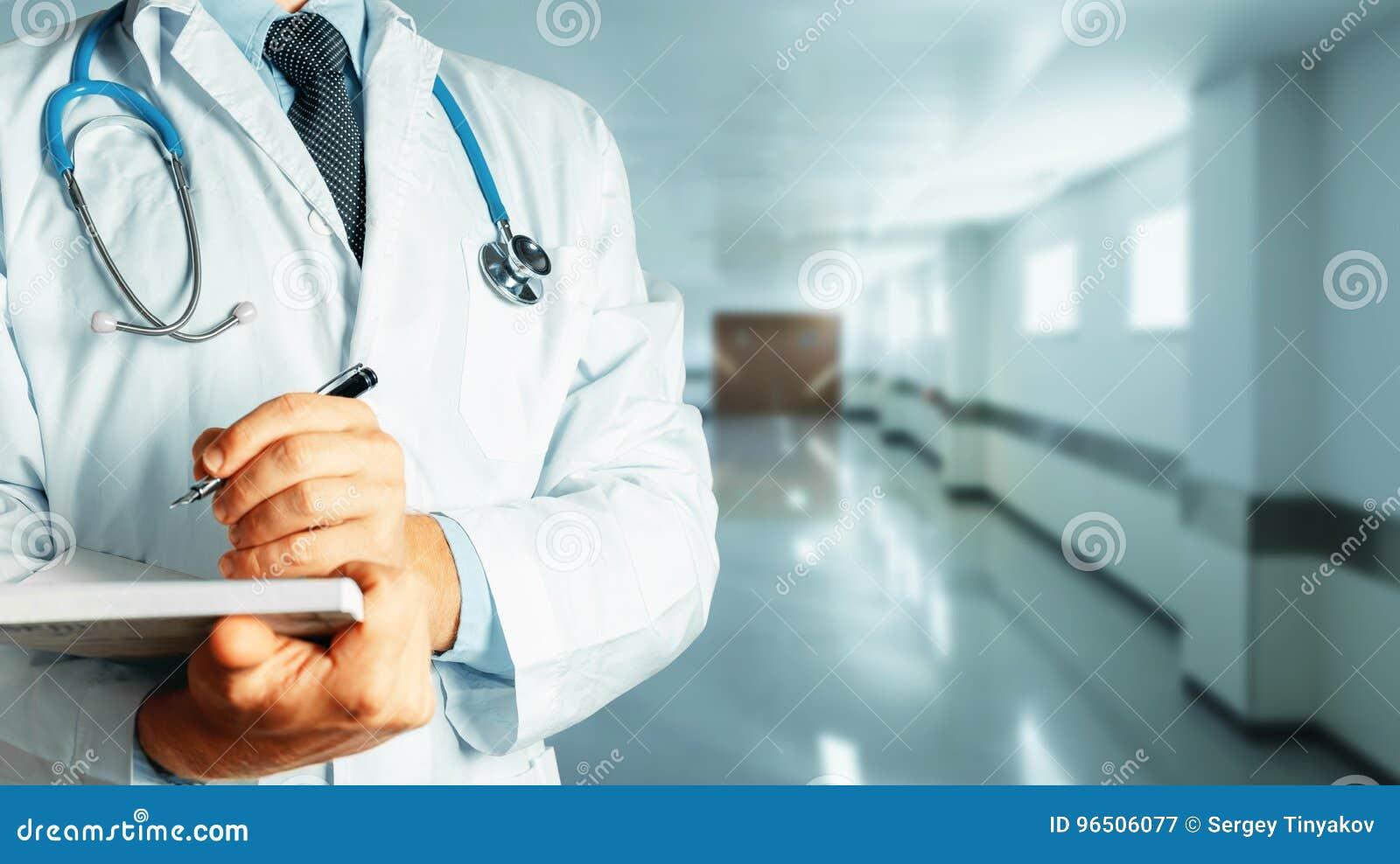 Medicin för hygien för omsorgsögonsjukvård Medicinsk historia för doktor Writes Data Into