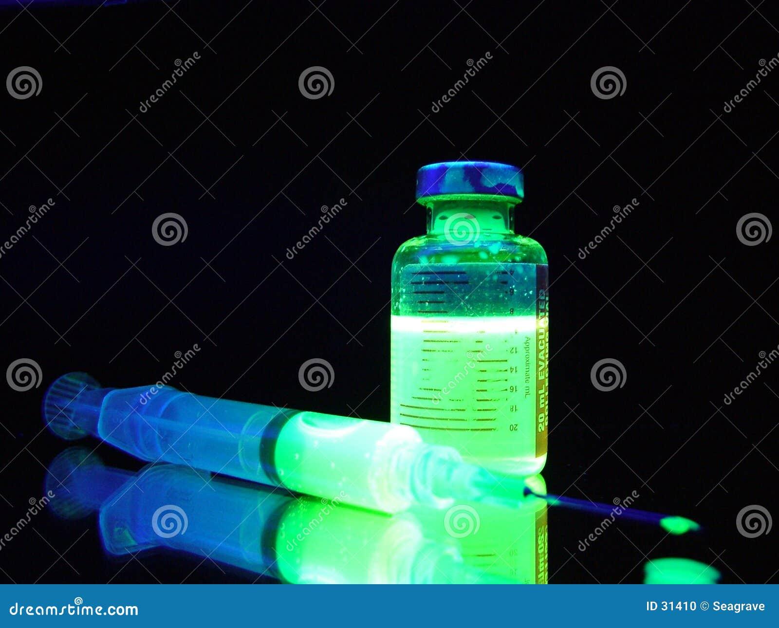 Download Medicina nuclear foto de archivo. Imagen de verde, jeringuilla - 31410
